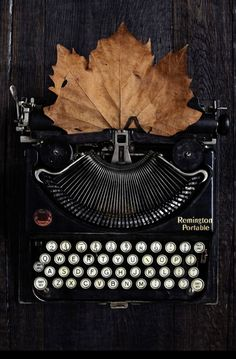 Inspiration by Doswell and Mclean Retro Typewriter, Antique Typewriter, Vintage Love, Retro Vintage, Hedge Witch, Southern Gothic, Autumn Aesthetic, Vintage Typewriters, Still Life Photography