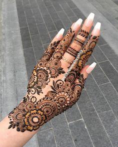 Pretty Henna Designs, Modern Henna Designs, Finger Henna Designs, Basic Mehndi Designs, Henna Tattoo Designs Simple, Arabic Henna Designs, Back Hand Mehndi Designs, Latest Bridal Mehndi Designs, Mehndi Designs 2018