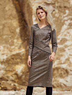 Сукня вузького крою з рельєфними швами | BurdaStyle.ua: Мода, Дизайн, Рукоділля, Викрійки