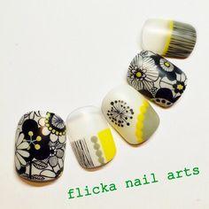 ネイル(No.680977) フラワー  ジェルネイル  ハンド   かわいいネイルのデザインを探すならネイルブック!流行のデザインが丸わかり! Feet Nails, Toenails, Japanese Nail Art, Stamping Nail Art, Manicure E Pedicure, Toe Nail Designs, Yellow Nails, Toe Nail Art, Fabulous Nails