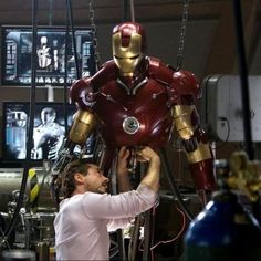 There Are Seven Marvel Cinematic Universe Movies Missing From the Disney+ Streaming Service How to Watch All the Marvel Movies in Order - Iron Man Marvel Universe, Marvel Cinematic Universe Movies, Marvel Movies List, Marvel Movies In Order, Comic Movies, Top Movies, Watch Movies, Robert Downey Jr, Les Innocents