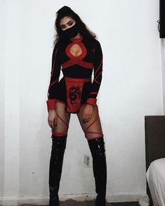 You need to find a costume for halloween and what better way to do so from direct halloween costume inspiration. Today we have 45 of the Best Halloween Costume Ideas for Women. Halloween Costume Hunter, Couples Halloween, Celebrity Halloween Costumes, Halloween Costumes For Girls, Disney Halloween, Bratz Halloween Costume, Fancy Dress Costumes For Women, Diy Halloween Costumes For Women, Halloween Fashion