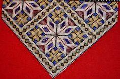 Bohemian Rug, Quilts, Beads, Rugs, Stitches, Home Decor, Hardanger, Dots, Punto De Cruz