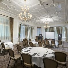 Have your business meetings at DoubleTree Liverpool and enjoy personalised  service along with bright f09abd4e4