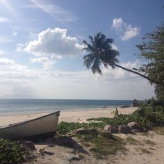 My first blogpost on my travel blog The Getaway Diaries. Traveling to the beautiful tropical island Mahe in the Seychelles had always been one of my dreams!