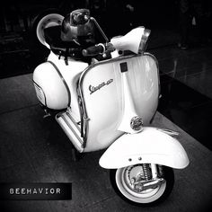 snow white.. #vespa #blacknwhite #iphonesia