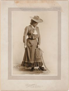 Photography:Studio Portraits, Annie Oakley as Nance Barry: A Silver Gelatin Print from TheWestern Girl. Western Girl, Western Style, Annie Get Your Gun, Cowboy Action Shooting, Annie Oakley, Real Cowboys, Vintage Cowgirl, Le Far West, Queen