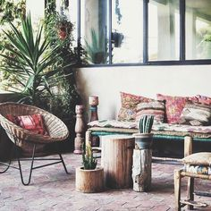 Outdoor Kilim vibes...what an amazing place to relax!