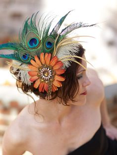 Another amazing headdress with orange, cream, and peacock feather accents. Tribal Fusion, Feather Headdress, Feather Hair, Floral Headpiece, Tribal Feather, Feathered Hairstyles, Derby Hats, Looks Cool, Headgear