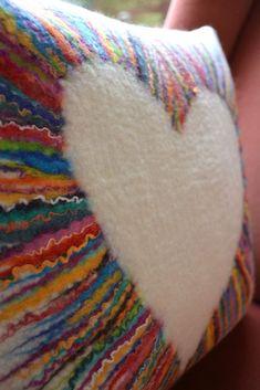 Felted cushion cover by Stephanie Tenier @ Feltastik coussin feutré Felt Cushion, Felt Pillow, Wet Felting Projects, Felting Tutorials, Felt Projects, Felt Crafts, Fabric Crafts, Sewing Pillows Decorative, Diy Pillows