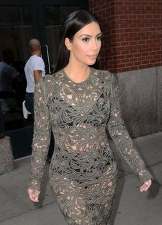 Kim Kardashian - Kim Kardashian Heads to 'Late Night with Seth Meyers'