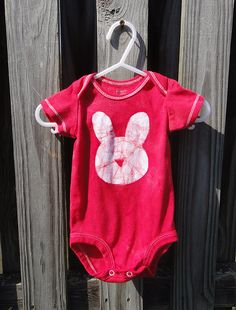 Bright red Easter Bunny baby bodysuit by peacebabybatiks on Etsy. Size 3 months.