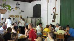 Rehabilitada en el año 1985, la edificación que aloja al restaurante La Mina fué en el siglo XVI y parte del XVII la residencia de los obispos que oficiaban en la cercana Iglesia Parroquial Mayor.