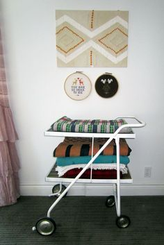 easy vintage wall art with chevron stripes for kids room