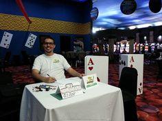 Estamos en casino fiesta haciendo caricaturas! Contratos y encargos al 8981-7991 #j6ilustraciones