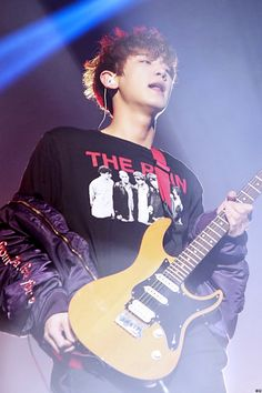 If only I could play the guitar; I would be Chanyeol's band mate
