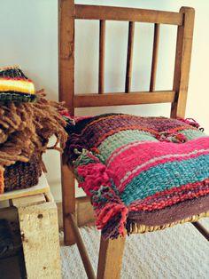 La Calustra: Desafio Bla-d Tapestry Weaving, Loom Weaving, Spinning Yarn, Xmas Crafts, Wool Yarn, Crochet, Fiber Art, Interior Inspiration, Textiles