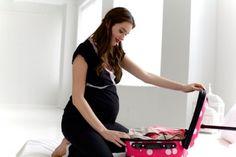 Já sabe o que levar na sua mala da maternidade? Fizemos uma lista com tudo o que você irá precisar. Boa hora!