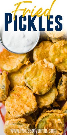 Fried Pickles. Crispy fried dill pickles are the ultimate appetizer! The perfect game day food! Tapas Recipes, Easy Appetizer Recipes, Yummy Appetizers, Easy Dinner Recipes, Beef Recipes, Vegan Recipes, Appetizers For Party, Cooking Recipes, Fried Pickles