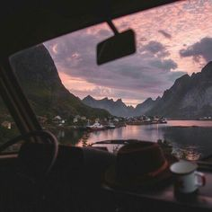 Inspiration Picture of Road Trip Aesthetic - Todosobre - Travel And Enjoy Living Beautiful World, Beautiful Places, Road Pictures, Travel Aesthetic, Nature Aesthetic, Summer Aesthetic, Pink Aesthetic, Adventure Is Out There, Aesthetic Pictures