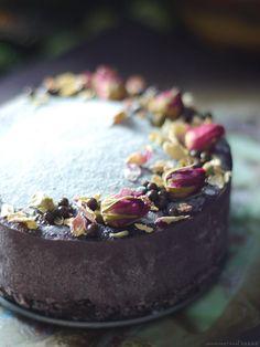 Maqui Tahini Raw Cheesecake (Free from: dairy, gluten & grains, and refined sugar)