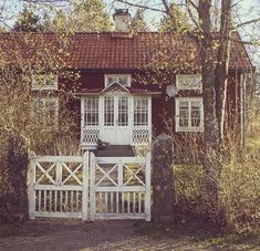 Beautiful Buildings, Beautiful Homes, Beautiful Places, Sweden House, Red Houses, Red Cottage, Cottage Interiors, Scandinavian Home, Garden Inspiration