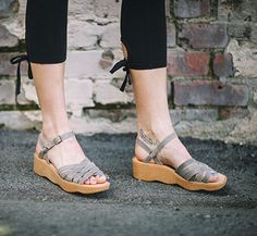 Famolare Shoes and Sandals | Beautiful Shoes for the Free Spirited Woman!
