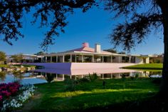 Sunnylands in the morning. Rancho Mirage, Great Hotel, Historic Homes, Midcentury Modern, Architecture Design, Mid Century, Mansions, House Styles, Building