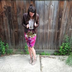 Fun summer/fall transition outfit - DIY tutorial for a floral skirt