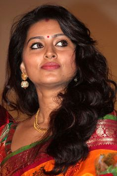 South Indian actress Sneha best photo and wallpaper gallery. Best hd image gallery of Sneha. Beautiful Blonde Girl, Beautiful Girl Indian, Most Beautiful Indian Actress, Beautiful Actresses, Beautiful Heroine, Bollywood Actress Hot Photos, Indian Actress Hot Pics, Actress Pics, Sonam Kapoor