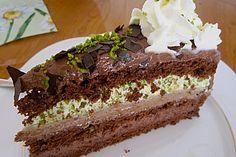 Mozart-Torte, ein sehr schönes Rezept aus der Kategorie Torten. Bewertungen: 107. Durchschnitt: Ø 4,7.