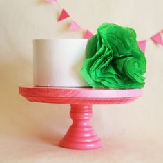 Small Hot Pink Cake Stand by afabulousfete on Etsy Hot Pink Cakes, Neon Cakes, Purple Cakes, White Cakes, Coral Cake, Dessert Stand, Wooden Cake Stands, Green Cake, Cake