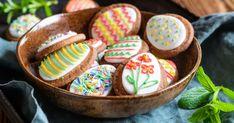 Veľkonočné škoricové sušienky - dôkladná príprava krok za krokom. Recept patrí medzi tie najobľúbenejšie. Celý postup nájdete na online kuchárke RECEPTY.sk. Sugar, Cookies, Food, Crack Crackers, Biscuits, Cookie Recipes, Meals, Cake, Yemek