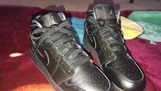brand new 5c05c 7cbb2 Air Jordan 1 Mid BG 554725-044 Black Basketball Shoes Youth Size 5 5Y