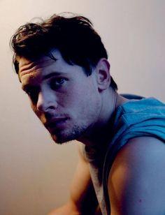 Jake O'connell!! So damn hot!