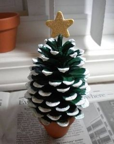 Handmade Christmas crafts from pinecones photos1