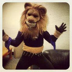 Slamson makes the Sacramento Kings Dance team!