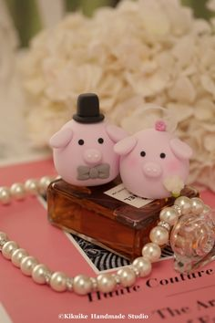 Pig and Piget wedding cake topper