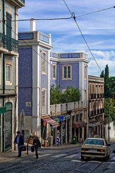 breathtakingdestinations:  Lisbon - Portugal (von pas le matin)