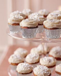 Glitter Cupcakes! How cute are these :)