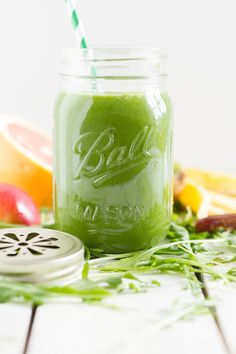 Green Smoothie with arugula Apple Banana Kiwi Grapefruit