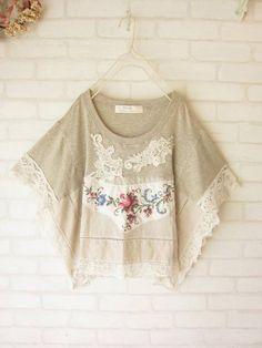 【再入荷♪】veerle クロスステッチ刺繍*ポンチョP/O MELODY HOUSE(refashioned t-shirt into poncho)