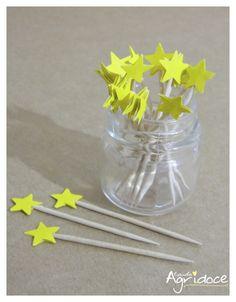 Kit com 20 toppers de estrelas amarelas.  Valor do kit: 13,00. R$ 13,00