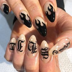 30 Great Stiletto Nail Art Design Ideas 30 Great Stiletto Nail Art Design Ideas This image has get. Stiletto Nail Art, Cute Acrylic Nails, Gorgeous Nails, Pretty Nails, How To Do Nails, My Nails, Grunge Nails, Fire Nails, Nagel Gel