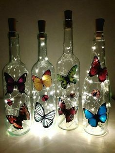 Painted Glass Bottles, Glass Bottle Crafts, Wine Bottle Art, Diy Bottle, Decorated Bottles, Bottle Lights, Lighted Wine Bottles, Bottle Lamps, Bottle Painting