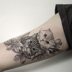 The gallery of 60 adorable cat tattoo ideas will make you fall in love with cats and cat tattoos. Hurry up to check out popular animal tattoo designs from tattoo trends 2019 and pick the one to pamper your body. Dog Tattoos, Animal Tattoos, Body Art Tattoos, Girl Tattoos, Sleeve Tattoos, Tattoos For Women, Tattoo Cat, Cat And Dog Tattoo, Tattoo Spine