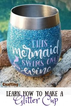 Learn how to make glitter personalized stemless wine glasses with a video tutorial! Perfect for gifts, party favors, or just for fun! Glitter Wine Glasses, Diy Wine Glasses, Glitter Cups, Stemless Wine Glasses, Wine Tumblers, Wine Bottles, Glitter Tumblers, Mermaid Wine Glasses, Glitter Gif