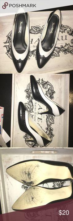 Vintage tuxedo heels adorable vintage heels perfect for pin up look! Size 8 bon vivant Shoes Heels