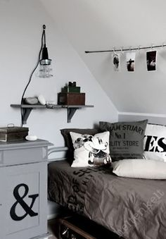 How to take the mystery out of monochromatic color schemes when choosing kids room color schemes. Room Color Schemes, Room Colors, Deco Kids, Teenage Room, My New Room, Boy Room, Room Inspiration, Bedroom Decor, Bedroom Curtains