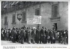 Manifestantes del 1º